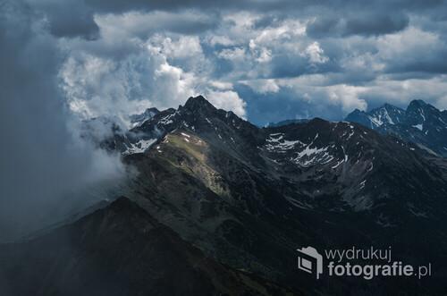Nadciągająca burza w Tatrach Zachodnich.