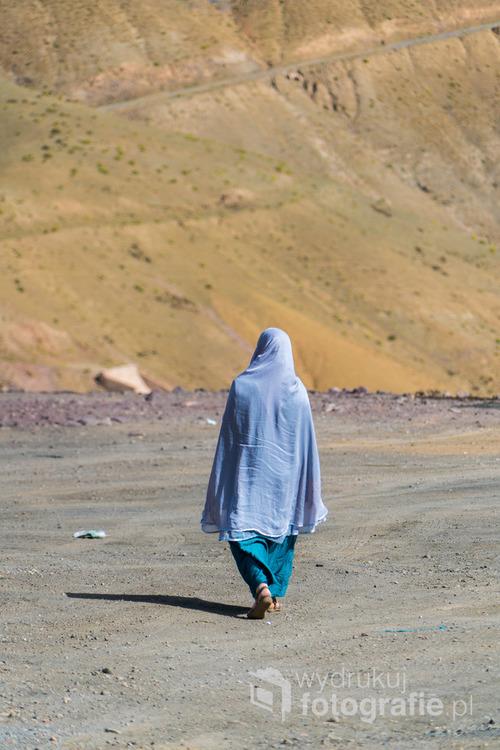 Berberyjka na spacerze. Maroko, sierpień 2016.
