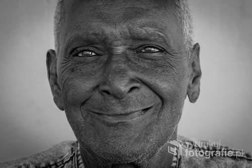 Uśmiech! To nic nie kosztuje, a sprawia innym wiele radości. Trinidad, Kuba 2017.