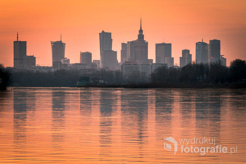 Sunset over Warsaw's skyline, Warszawa 2017.