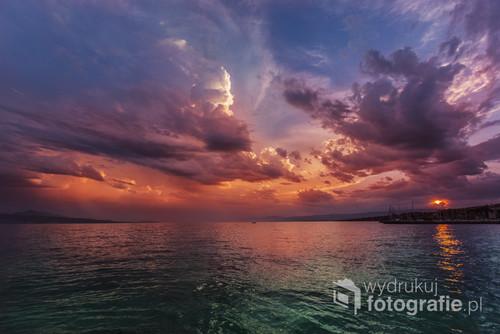 Jeden z majestatycznych zachodów słońca nad Jeziorem Genewskim.
