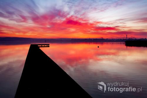 Zachód słońca nad jeziorem Chodzieskim. Chodzież 2018.