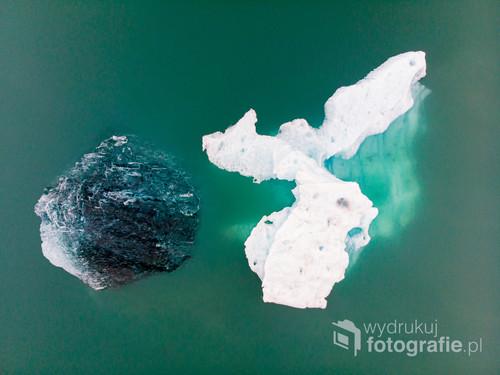 Pływające odłamki lodowca, Jökulsárlón, Islandia