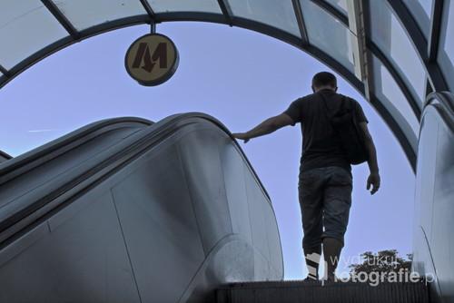 Wyjście ze stacji metra