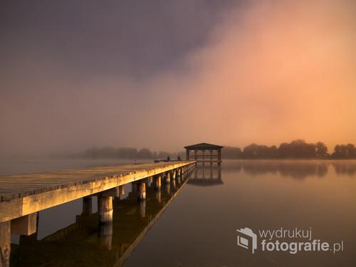 świt nad jeziorem Karskim Wielkim (zachodniopomorskie)...