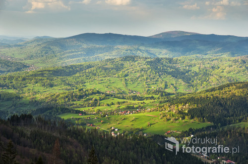 Widok z Hali Miziowej pod Pilskiem, wiosenne popołudnie.