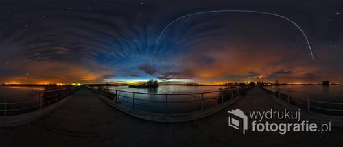 Stary Lubliniec, przelot ISS, Międzynarodowej Stacji Kosmicznej nad zalewem. Panorama 360 stopni