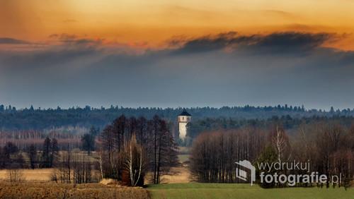Wieża ciśnień niedaleko miejscowości Tymce,