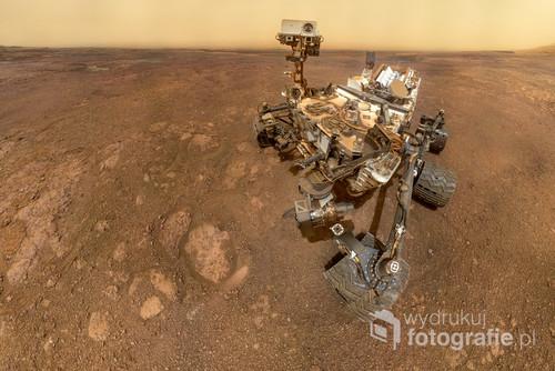 Selfie łazika Curiosity z dnia marsjańskiego SOL 2291. Na podstawie zdjęć NASA,  Image credit: NASA/JPL-Caltech/MSSS / Tomasz Mielnik www.tomaszmielnik.pl