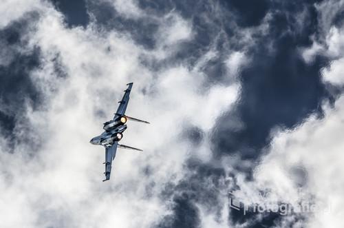 Jedna z moich ulubionych fotografii. Su 27 sfotografowany podczas Air Show 2013. Fotografia może nadać wyrazistości w nie jednym pomieszczeniu:).
