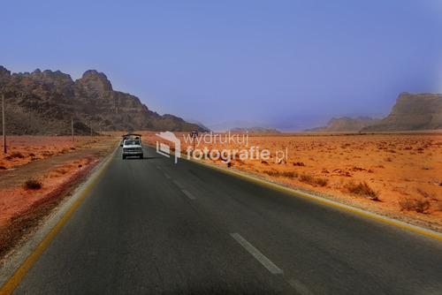 Jordania i wyprawa zdezelowanym samochodem ,który doskonale sprawdzał sie w warunkach pustynnych