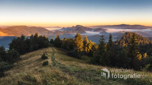 Zdjęcie zrobione latem 2016 roku z Wysokiego Wierchu w Pieninach.