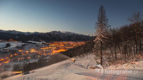 Zdjęcie zrobione ze szczytu stoku narciarskiego na Harendzie. Temperatura -14 stopni. 2016 rok.