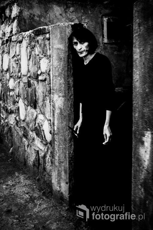 Woman from small village in Georgia (Mestia). Fotografia nagrodzona w konkursie Leica Street Photo Poland 2016