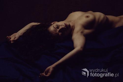 Tytuł: Dark  Autor: Mauro Carrara