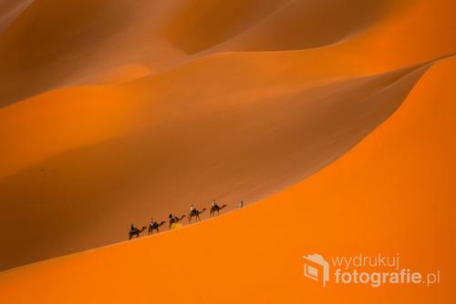 Maroko Sachara Merzunga 2015 tursci na wielbldach ,pierswsze miejsce zdjecia tygodnia fotokurier