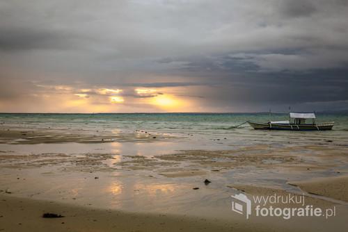 Kolejny pochmurny świt… ale nawet taki jest bardzo ciepły i magiczny na Filipinach.