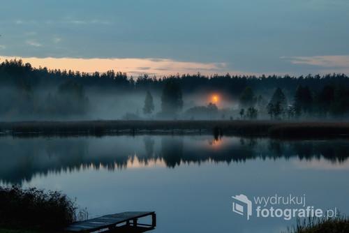 Zdjęcie zostało zrobione nad jeziorem w okolicach Augustowa
