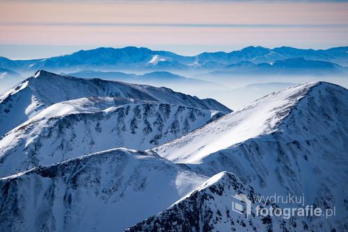 Styczeń 2017. Tatry Wysokie po stronie Słowackiej. Widok ze szlaku pomiędzy Kasprowym Wierchem a Świnicą (Zakopane)