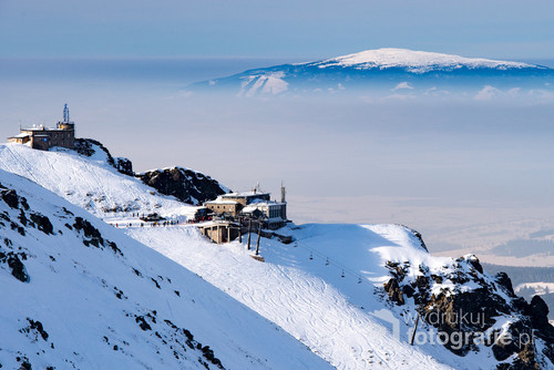 Styczeń 2017. Kasprowy Wierch (Zakopane). W oddali widoczna oddalona o ok 40km Babia Góra.