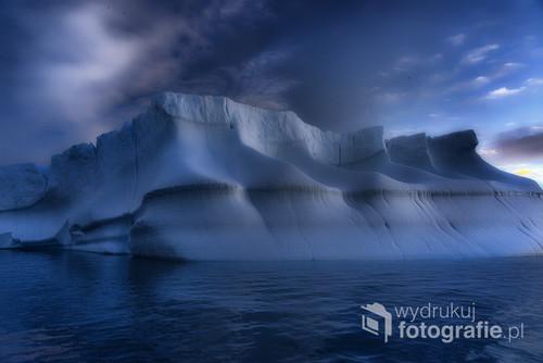Grenlandia , zdjęcie z wypadu kajakowego na wodach morza Baffina