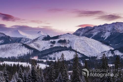 Styczniowy zachód słońca nad Tatrami z Witowa.