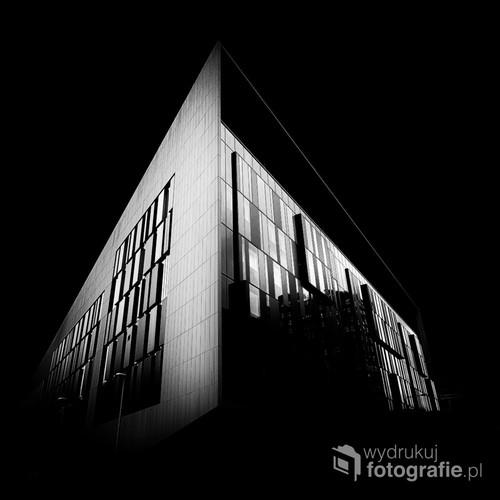 Budynek w Glasgow. Zdjęcie w podczerwieni wykonane we wrześniu 2016.