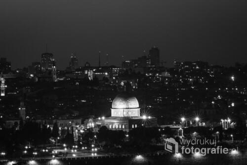 Widok na Stare Miasto z Kopułą na Skale ze Wzgórza Oliwnego