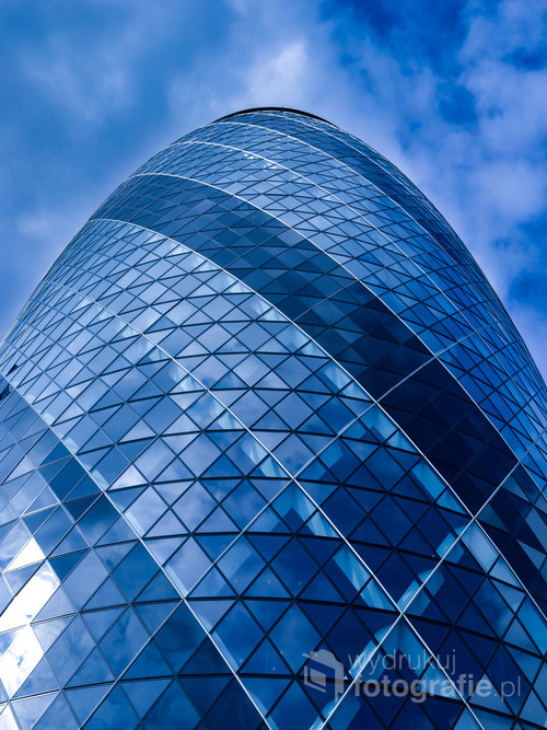Londyński wieżowiec znajdujący się w głównej dzielnicy finansowej. Oficjalnie