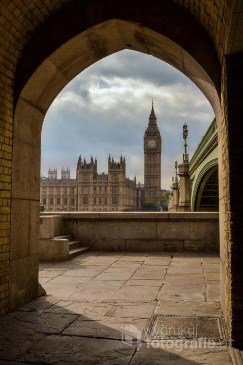 Londyn, widok na Most i Pałac Westminsterski z zegarem Big Ben.