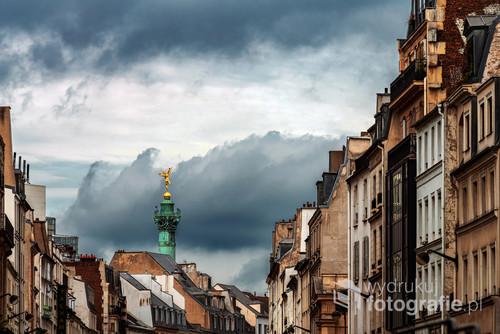 Panorama Paryża w okolicach Placu Bastylii z Kolumną Lipcową.