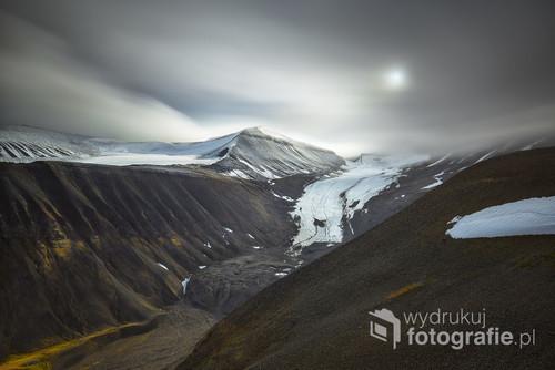Jęzor lodowca Longyearbreen na Spitsbergenie. --- Svalbard, sierpień 2017