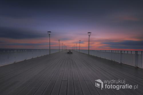 Zdjęcie wykonane w Kołobrzegu o wczesnych godzinach porannych przy użyciu filtra Lee.