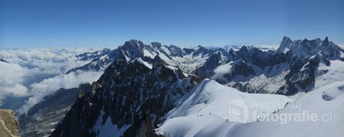 Widok z Aiguille du Midi, Alpy Francuskie, czerwiec 2015