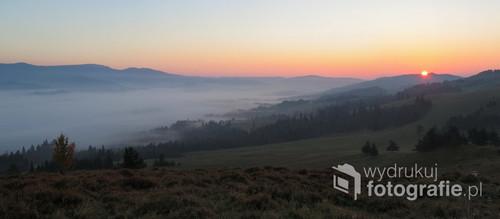 Wschód Słońca w Pieninach, pażdziernik 2018.