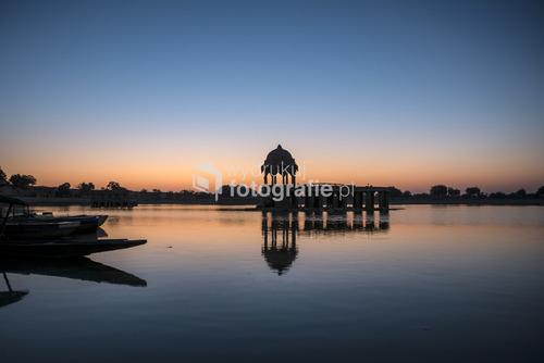 Święte jezioro Gadi Sagar, Jaisalmer, Rajasthan, Indie
