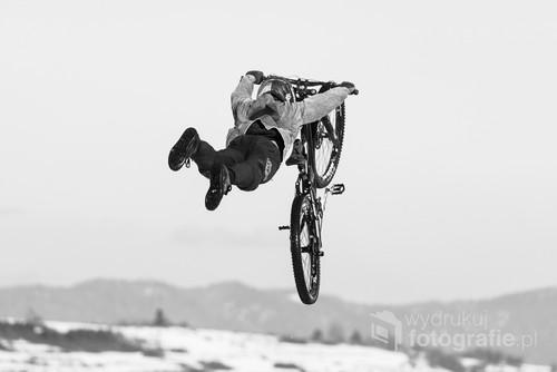 Zawody rowerowe w ramach Garmin Winter Fest 2020.