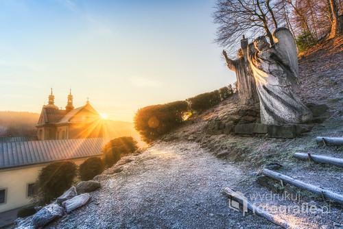 Świt w Czerna. Klasztorze Karmelitów Bosych. Niezwykła atmosfera, cisza, spokój i ten szron.