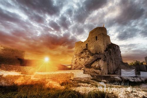 O tej porze wejście na zamek Rabsztyn jest już niestety zamknięte. Lecz magia zachodu wzywała...