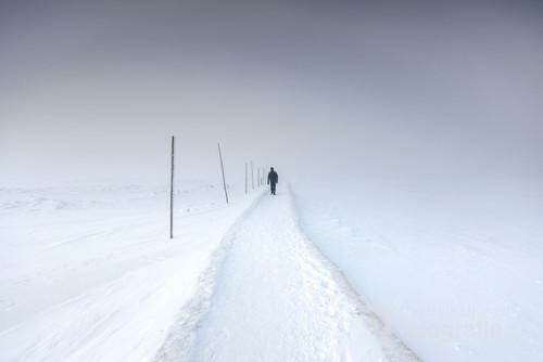 Równia pod Śnieżką w zimowej scenerii.