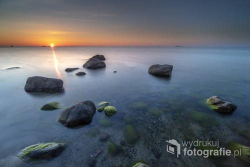 Wschód słońca nad Zatoką Gdańską.