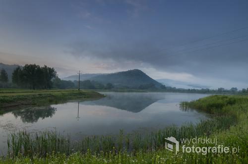 Charakterystyczne wzgórze zwane Diablą Górą znajdujące się nieopodal miejscowości Mrzygłód, powiat sanocki.
