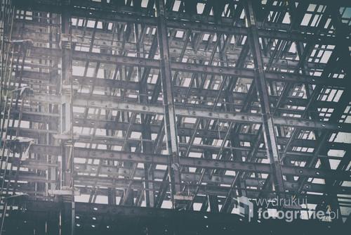 Fragment metalowej konstrukcji