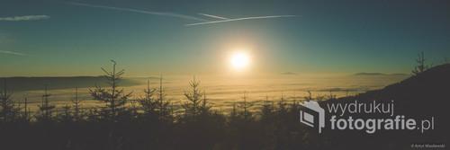 Zdjęcie wschodu słońca wykonane podczas wyjścia na Klimczok