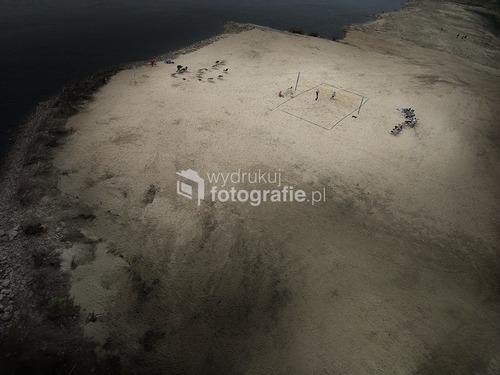 Warszawa, 2011. Widok z mostu Poniatowskiego na sztuczną plażę. 1 miejsce w kategorii Krajobraz w konkursie fotograficznym magazynu National Geographic.