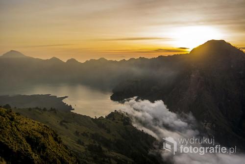 Zdjęcie wykonałam podczas wchodzenia na wulkan Rinjani w Indonezjii