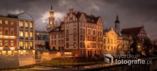 Opolska Wenecja. Panorama złożona z kilku odrębnych kadrów
