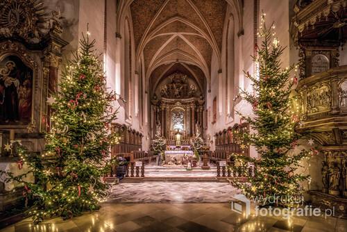 Kościół oo. franciszkanów w Opolu podczas Bożego Narodzenia