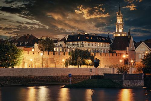 Stare Miasto Opole za murami miejskimi