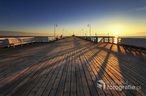Molo w Sopocie o wschodzie słońca